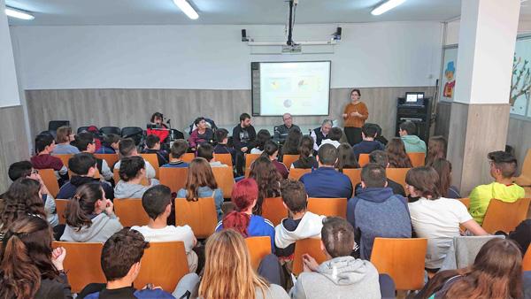 Activitat formativa al col·legi Frangoal de Castelldefels